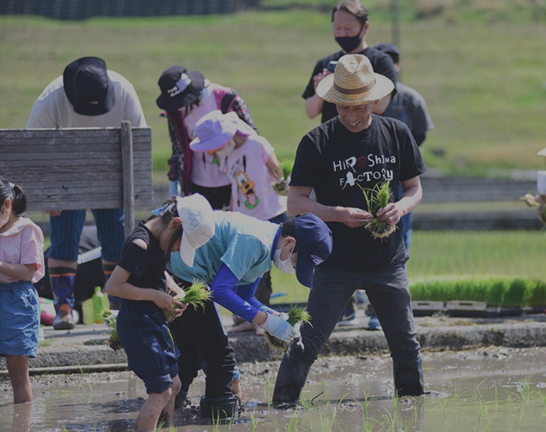 トラクターに乗っている写真